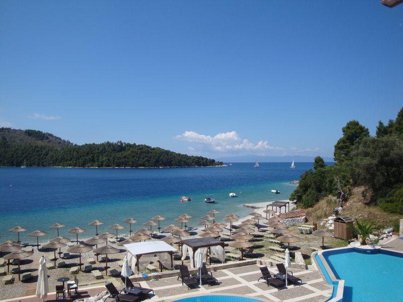 026. Прекрасный отель Blue Suites - В бухте Панормос (Πάνορμος)