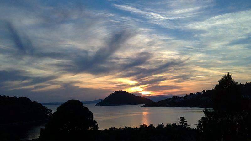 027. Великолепное вечернее небо - Бухта Панормос (Πάνορμος)
