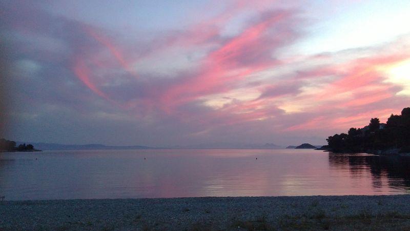 031. Чарующий и пустынный Панормос (Πάνορμος) - В розовых лучах заката