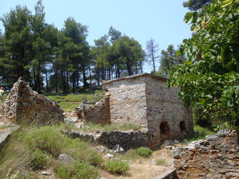 068. Остатки поселения - На горе Дельфи (Δέλφη)