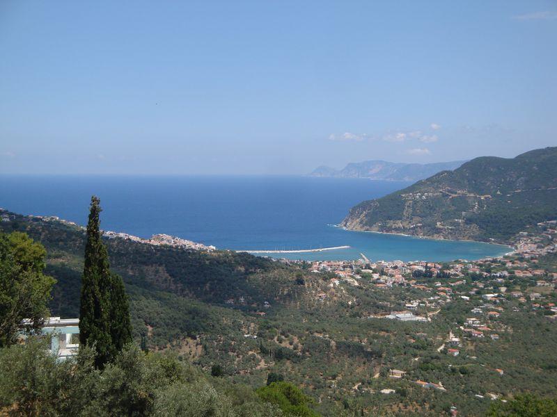 077. Вид на гавань Скопелоса c высоты -