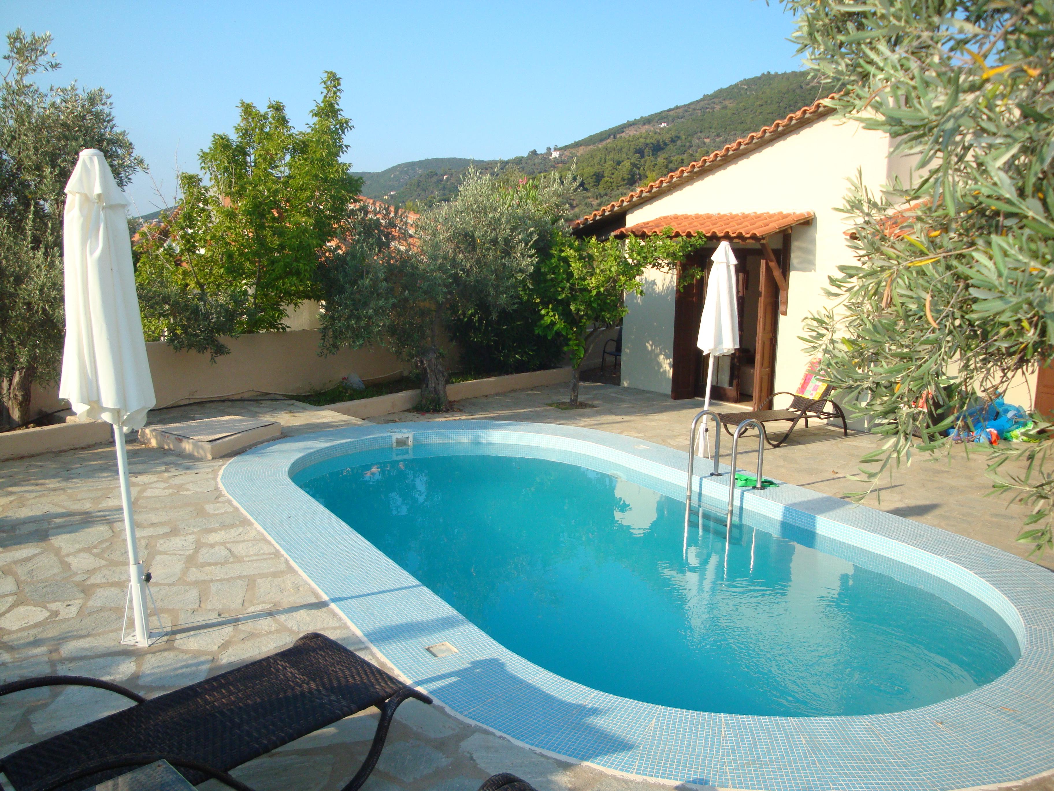 094. Внутренний дворик бунгало - Отель Skopelos Holidays Hotel and SPA