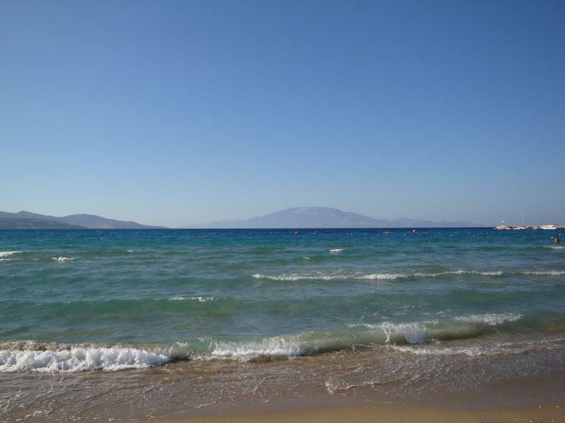 54. пляж Αλυκανάς (Аликанас) - пляж Αλυκανάς (Аликанас). Северо-восточное побережье острова