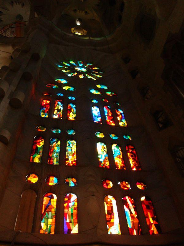059. Еще витраж - Собор Святого Семейства (Sagrada Familia), Барселона
