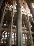 060. Резные колонны и потолок - Собор Святого Семейства (Sagrada Familia), Барселона