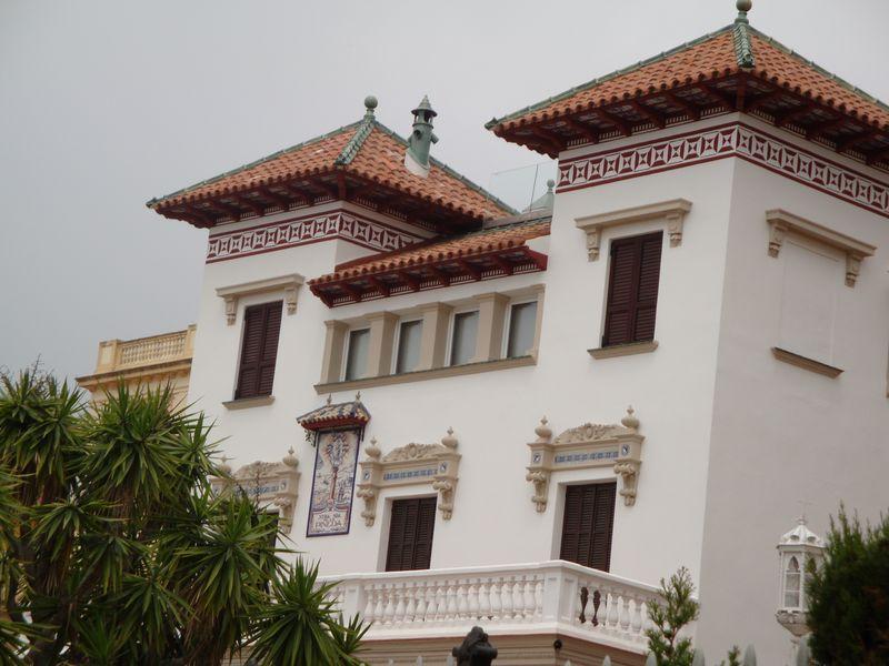 080. Симпатичный дом - Еще один интересный дом на центральной набережной Salou