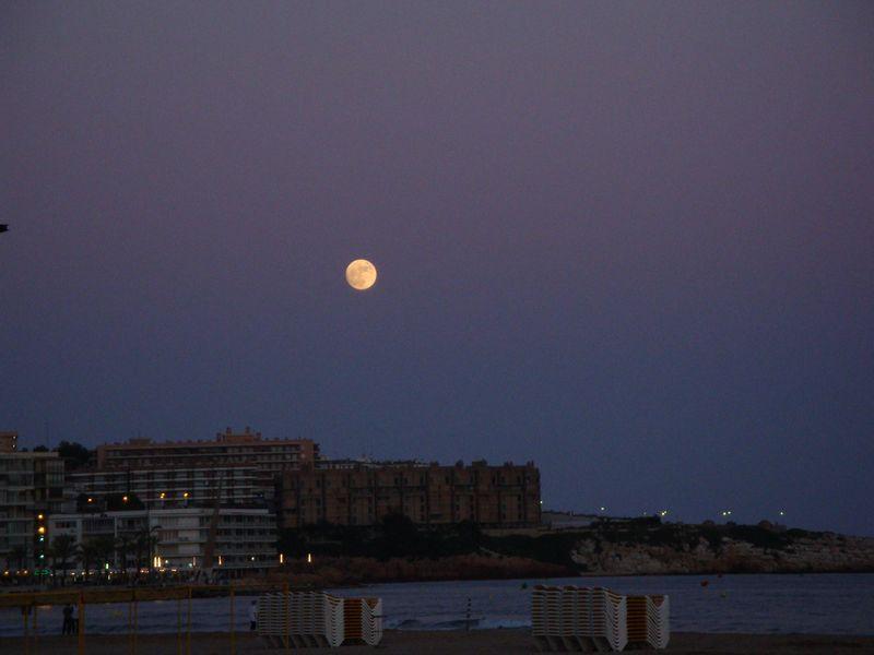 097. Лунная ночь в Salou -